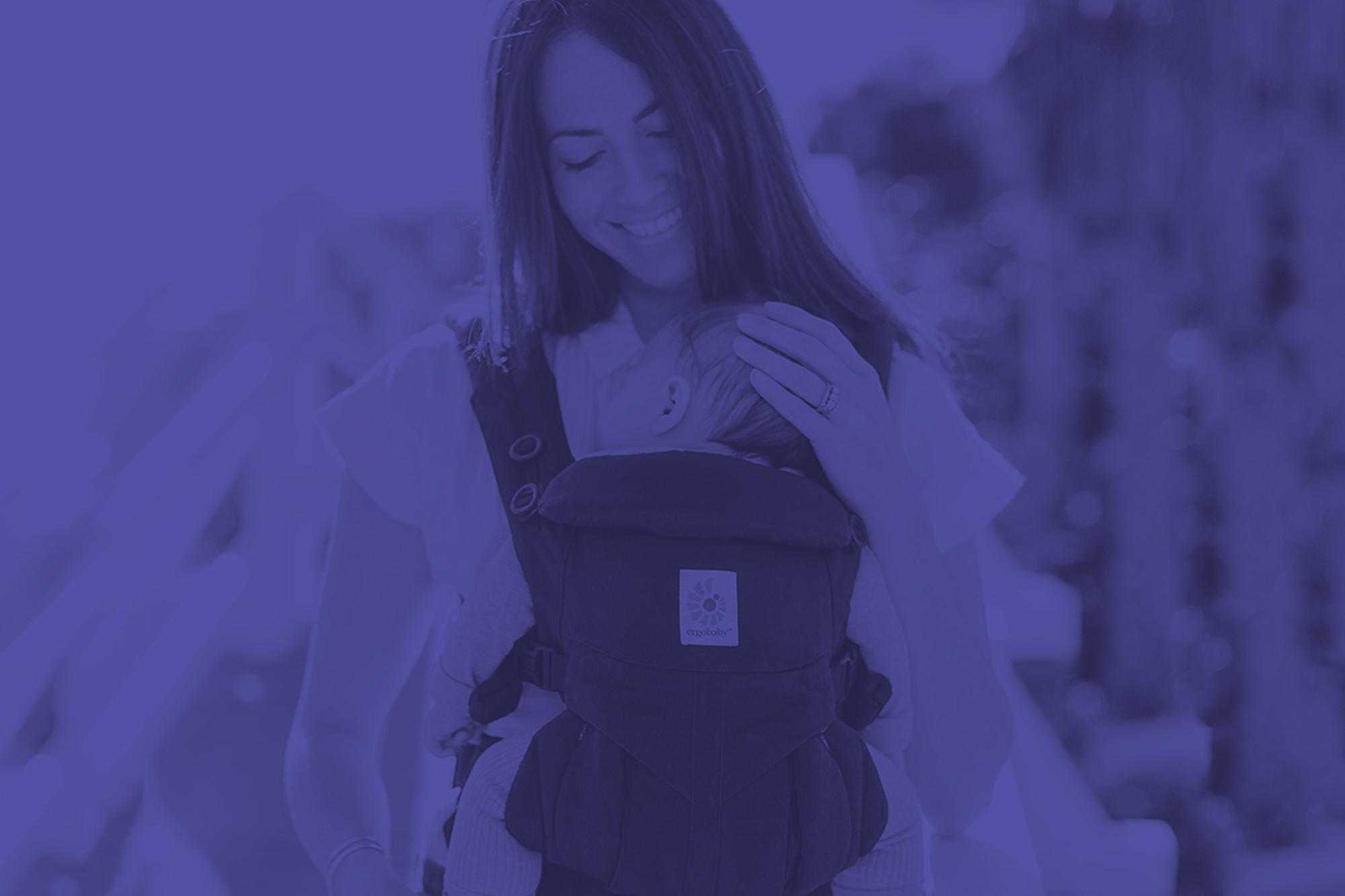 Носене на бебе в слинг или ергономична раница
